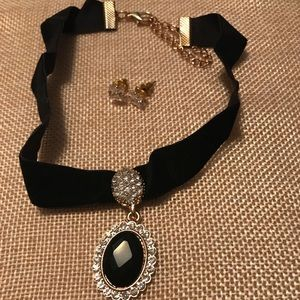 Elegant black velvet gold cameo choker necklace